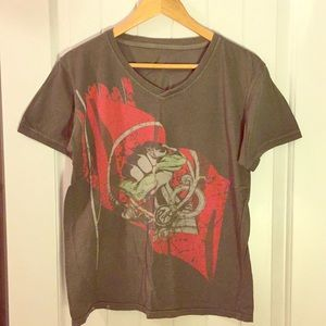 Rapt V-neck Graphic t-shirt Size: S